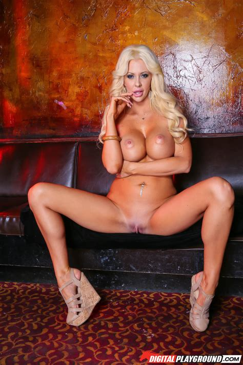 Classy Blonde Decided To Be A Whore Photos Courtney