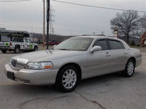 book repair manual 2006 lincoln town car security system find used 2006 lincoln town car signature limited low miles clean well maintained sharp in