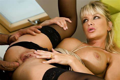 Amazing And Horny Drilling Excited French Babysitter Takes A Blowjobs And Got Crack