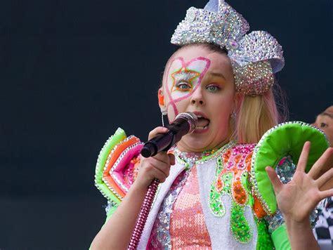 youtube star jojo siwas makeup  recalled due