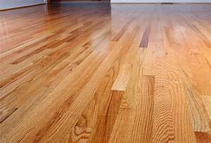 Whats the difference between red oak flooring and white for Different width hardwood flooring
