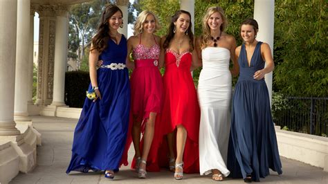 School requires preapproved prom dresses, sparks angry reaction from parents   TODAY.com