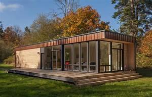 Woodsy Prefab Cabins : small prefab home