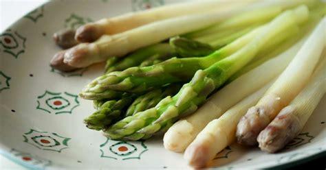 comment cuisiner christophine verte eplucher et cuire des asperges cuisson des asperges fraiches pas à pas en photos et vidéos