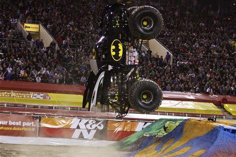 monster jam batman truck todos los secretos del monster jam