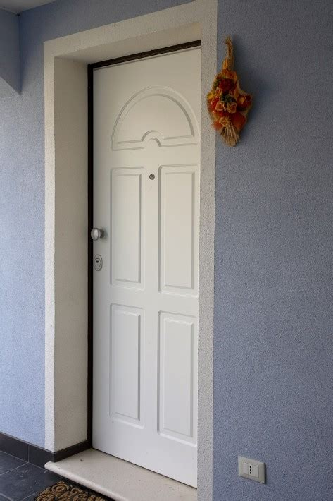 pannelli esterni per porte blindate porte blindate con pannello esterno in acciaio coibentato