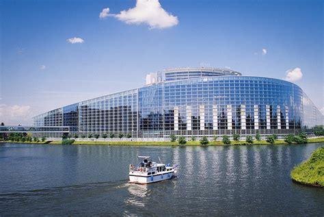 siege du parlement le siège du parlement européen de strasbourg est non
