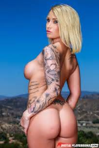 Tattooed Blonde Got Nude In The Nature Photos Daisy