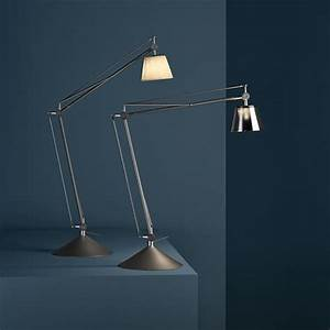 Archimoon k discover the flos table lamp model archimoon k for Archimoon k table lamp