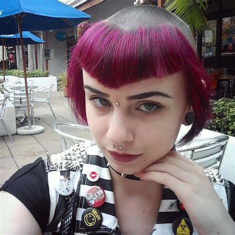 A chelsea haircut is a popular and extreme punk hairstyle that is mainly worn by women. Pin on alternative haircuts