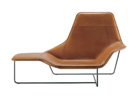 chaise longue design buy the zanotta 921 lama chaise longue at nest co uk
