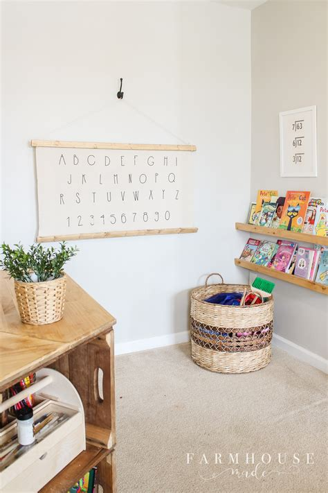 Let me share the tutorial how of how i turned a few paper mache alphabets blocks into a beautiful home decor. DIY Alphabet Wall Art-2 - F A R M H O U S E . M A D E