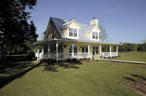 faxon farmhouse plan   house plans