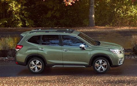 Subaru Forester 2019 Motorzoomit