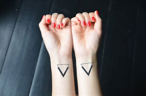 Signification tattoo triangle
