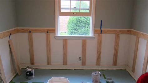 Best Adhesive For Wainscoting by Best Painting Wainscoting Ideas Paristriptips Design