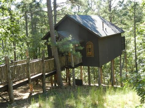 Oak Crest Cottages by 7 Treehouses In Arkansas For A Vacation In The Woods