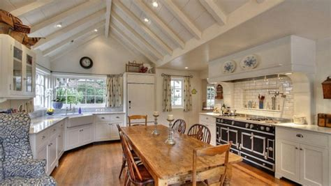 large country kitchens an country style cottage in by the sea 3650