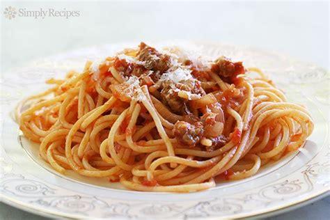 recette cuisine basque easy sausage spaghetti recipe simplyrecipes com
