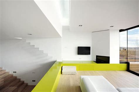 cool interiors cool color blocking technique defines and distinguishes this modern interior