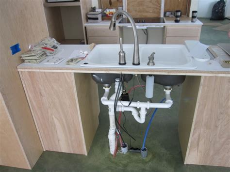 kitchen sink drainage brainright cottage kitchen cabinets 2680