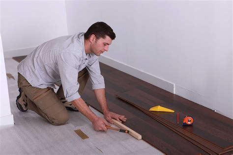 The Types of Vinyl Flooring   That You Need to Know