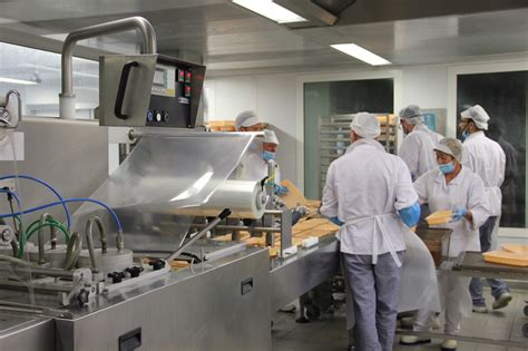 la cuisine nantes au cœur de la cuisine centrale de nantes alimentation