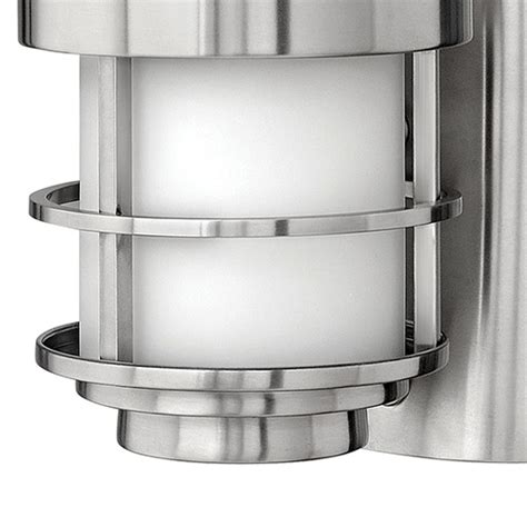 hinkley saturn stainless steel one light large outdoor