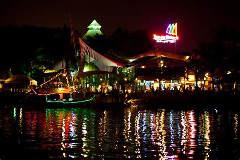 tempat wisata kuliner  jakarta  wajib dikunjungi