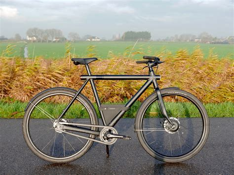 Commuting by bike - One week (240KM) on the VanMoof ...