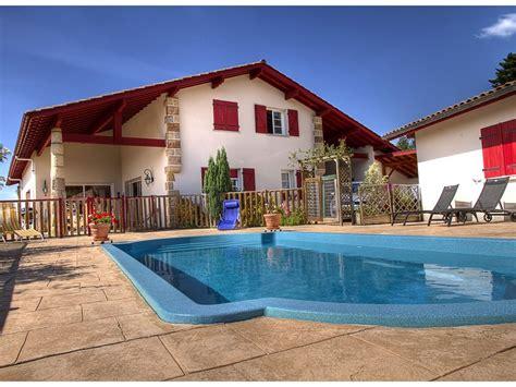 chambres d hotes pays basque espagnol chambres d 39 hotes avec piscine et vue montagne au pays