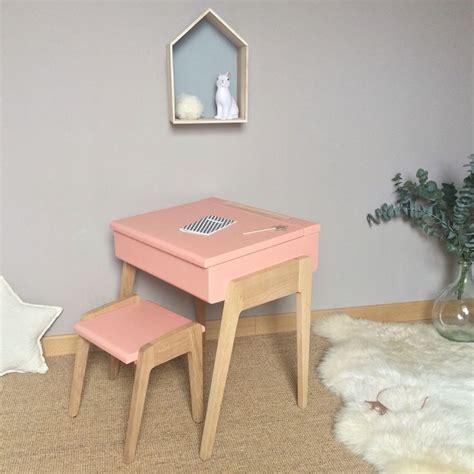 bureau maternelle fille bureau enfant pupitre style écolier scandinave et chêne massif ambiance fille idées