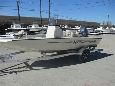 Boat Motors San Antonio by 2017 Xpress H18 Bay 18 Foot 2017 Motor Boat In San