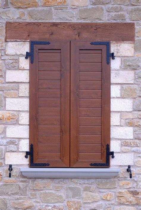 porte e finestre in alluminio produzione di scuroni in pvc o alluminio per porte e finestre