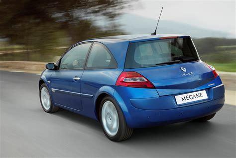 renault megane 2005 hatchback renault megane hatchback 2002 2006 photos parkers