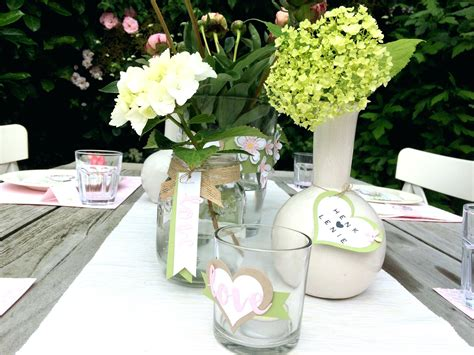 Tischdeko Blumen Geburtstag by Tischdeko Geburtstag 70 Herzen Blumen Basteln Papier