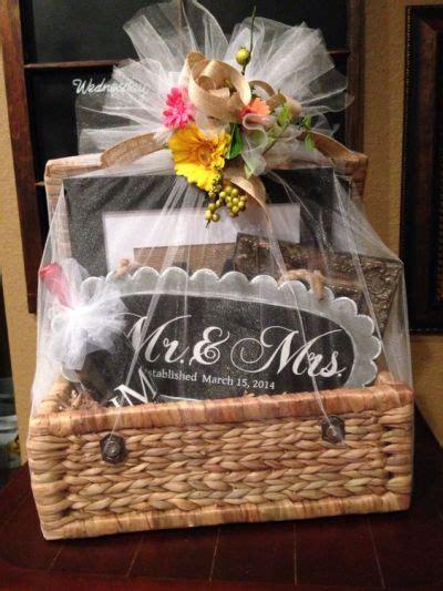 wedding shower gift basket ideas bridal shower gift ideas