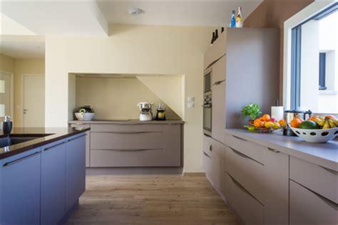 poser un plan de travail cuisine comment poser un plan de travail de cuisine sans meuble