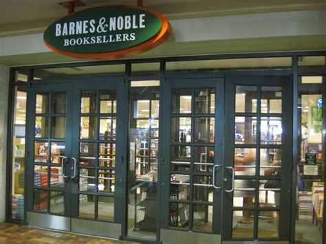 barnes and noble ala moana バーンズアンドノーブル アラモアナ センター店 クチコミガイド フォートラベル barnes noble