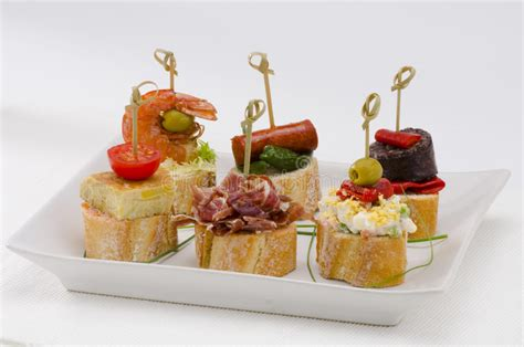 cuisine espagnole tapas cuisine espagnole tapas plateau des montaditos image