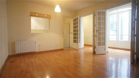 Si lo prefieres, también podrás escoger entre los siguientes tipos de. Alquiler piso Madrid centro, calle Mayor - YouTube