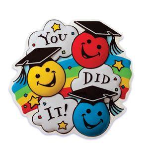 kindergarten graduation clipart clipart panda free 656   kindergarten graduation clipart dc758MKc9