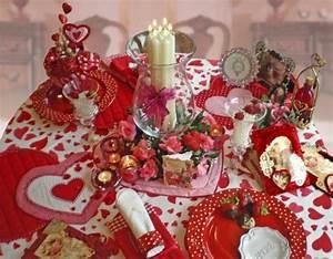 Romantische Ideen Zum Jahrestag : deko ideen zum valentinstag basteln sie eine romantische dekoration ~ Frokenaadalensverden.com Haus und Dekorationen