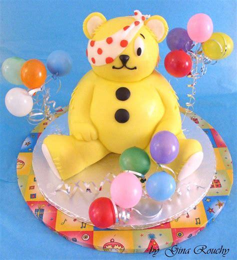 wow    detail   amazing pudsey bear cake