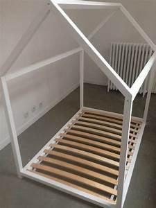 Lit Cabane Au Sol : lit cabane inspiration montessori ras du sol chambre ~ Premium-room.com Idées de Décoration