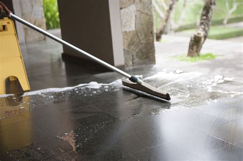 Hard Floor Cleaning And Polishing   Bedford Cleaning