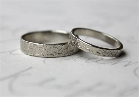 rustic vine wedding band ring 14k white gold leaf vine