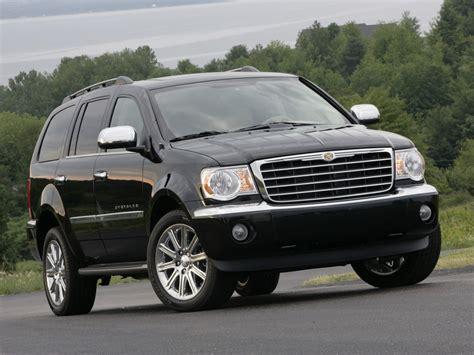 Chrysler Aspen Specs & Photos