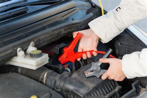 caricare la batteria dell auto con o senza cavi la tua auto