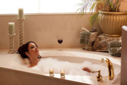 In Der Badewanne by Was Braucht F 252 R Einen Gem 252 Tlichen Abend In Der
